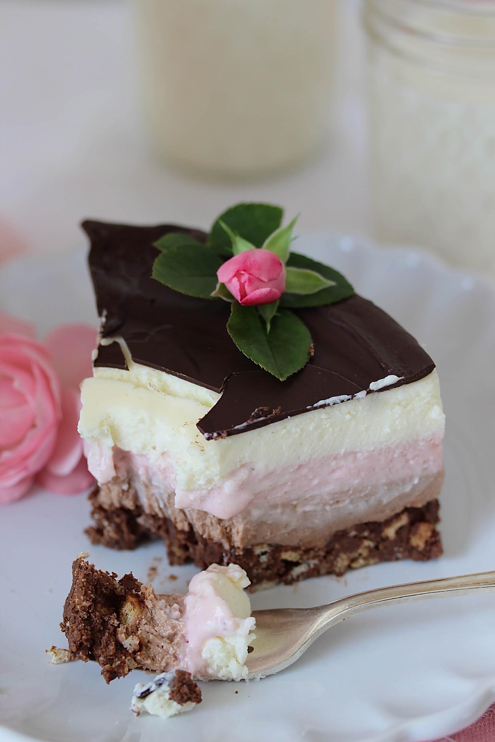 Rezept für ein Nutella Erdbeer Törtchen ohne backen mit Zwieback Drip Cake #dripcake #torte #erdbeeren #ombre #zwieback #nobake #ohnebacken | Emma´s Lieblingsstücke