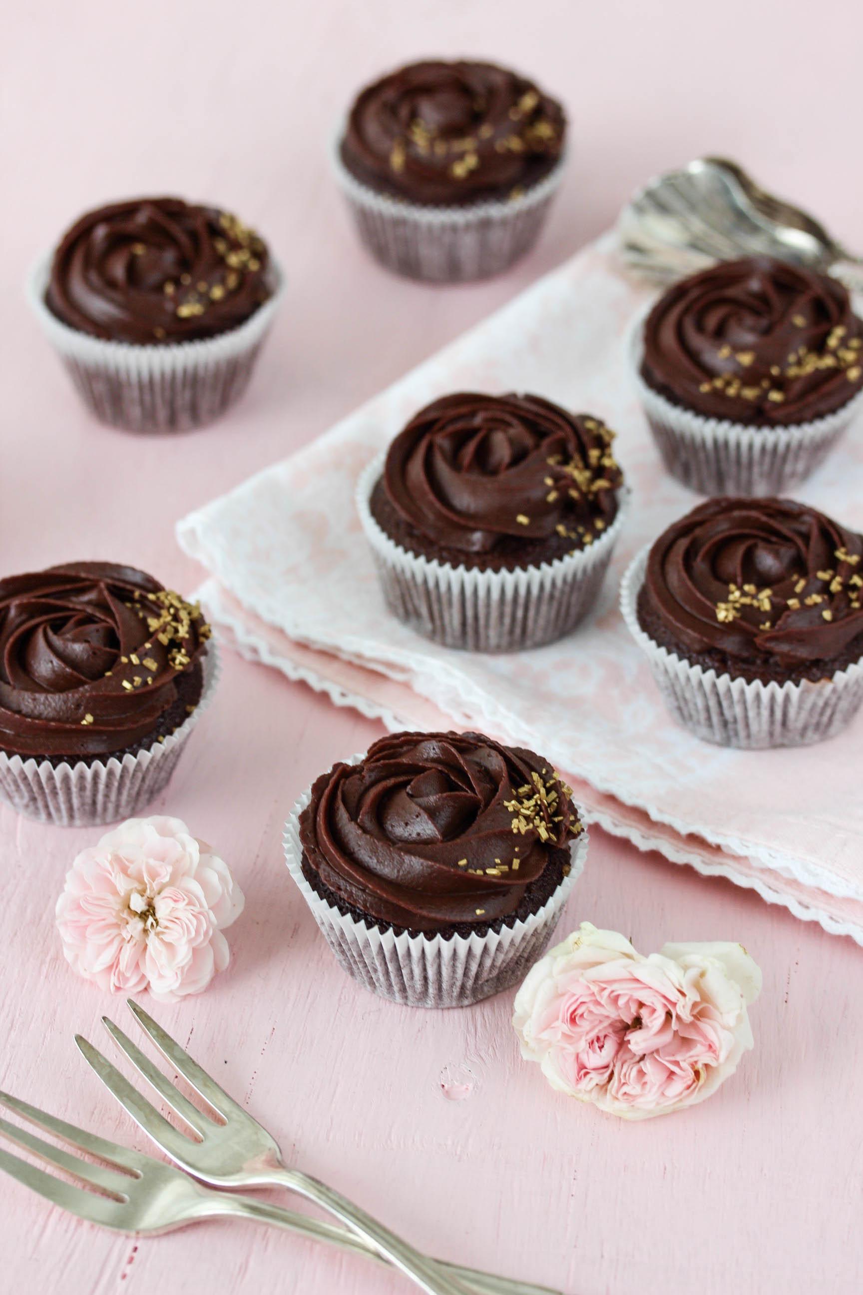 Schoko-Rosen-Cupcakes-7