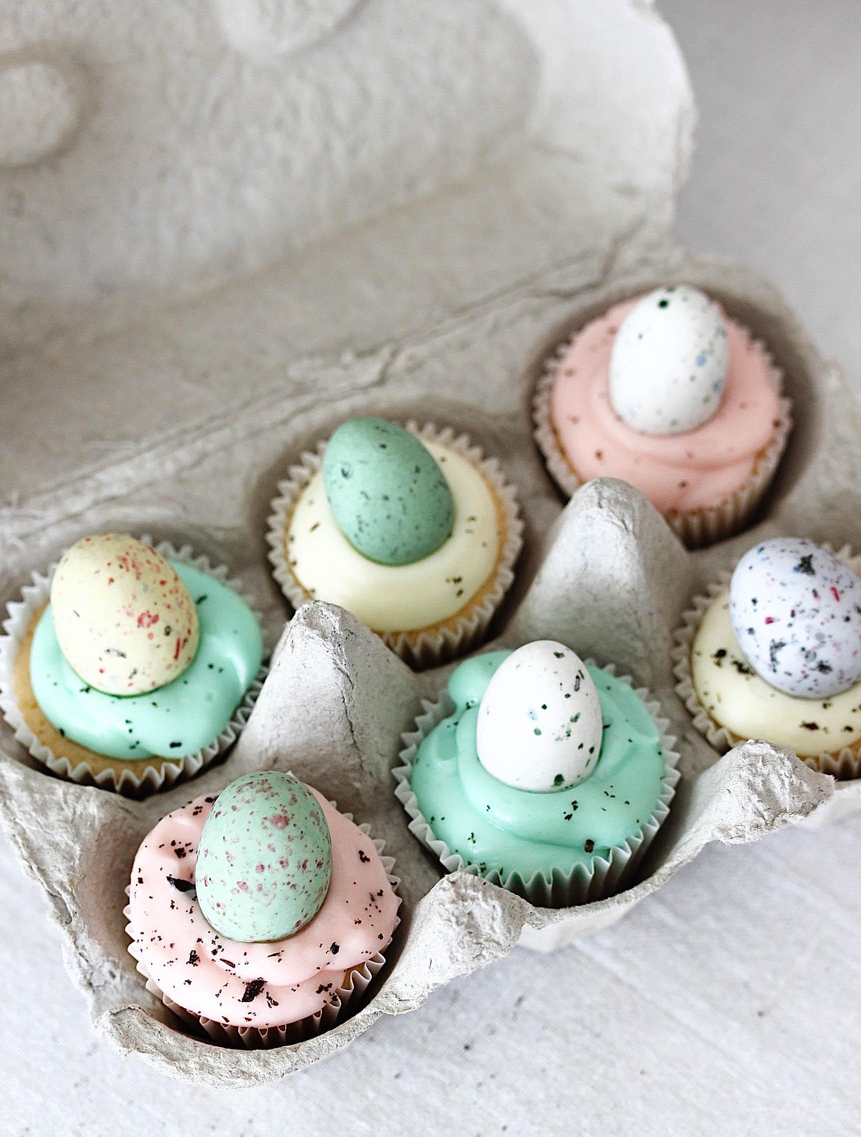 Rezept: Gesprenkelte Mini Oster Cupcakes in Eierschachtel backen Ostern #ostern #cupcakes #mini #vanille #easter | Emma´s Lieblingsstücke