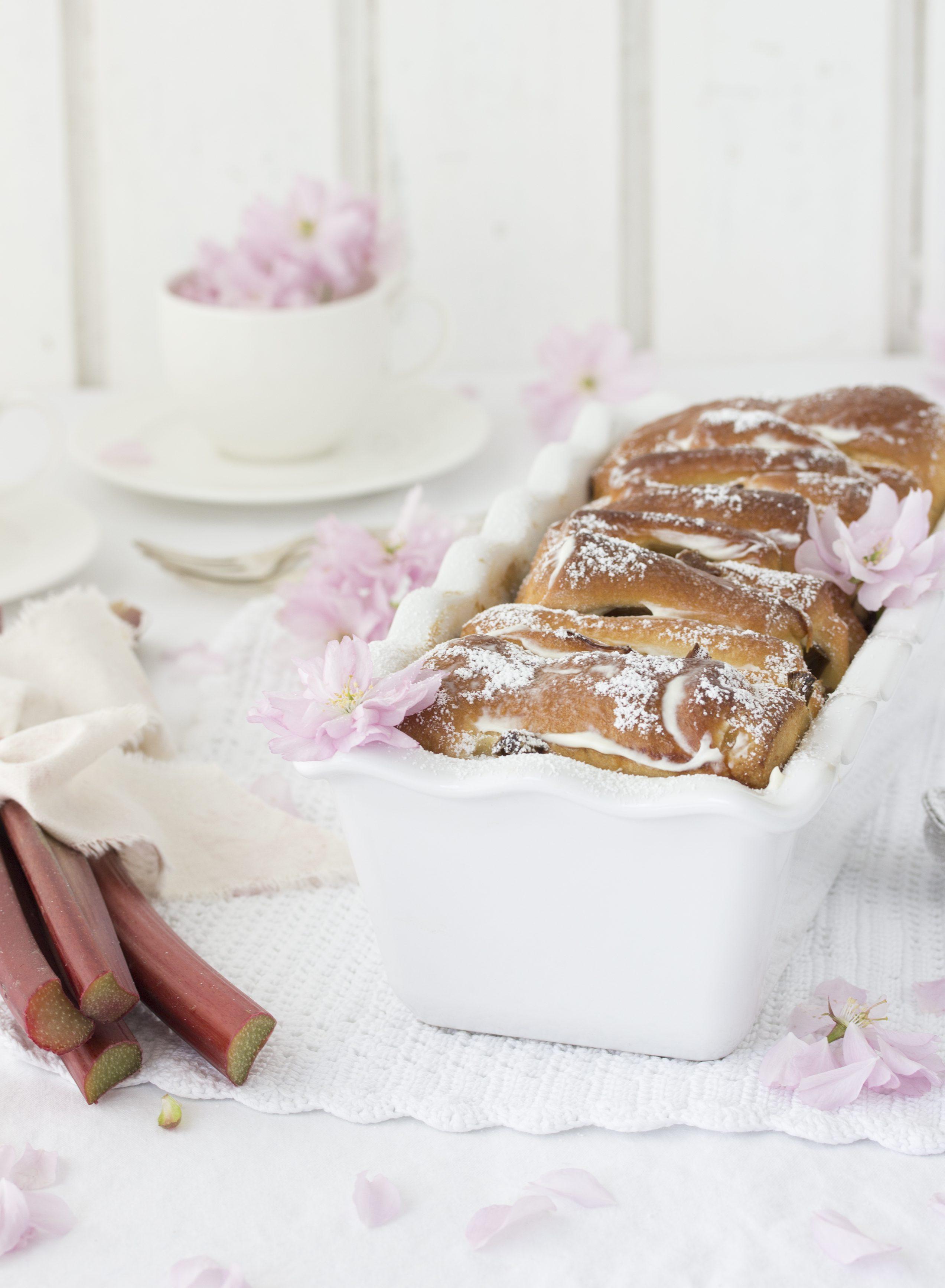 Rhabarber Pull Apart Bread