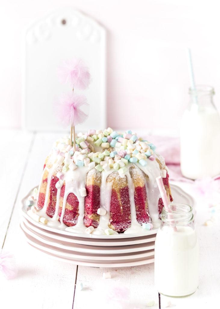 Einfacher Himbeer Marmor Gugelhupf Rezept Mädchen Geburtstag Rührkuchen Marshmallows #gugelhupf #cake #kuchen #bundtcake | Emma´s Lieblingsstücke