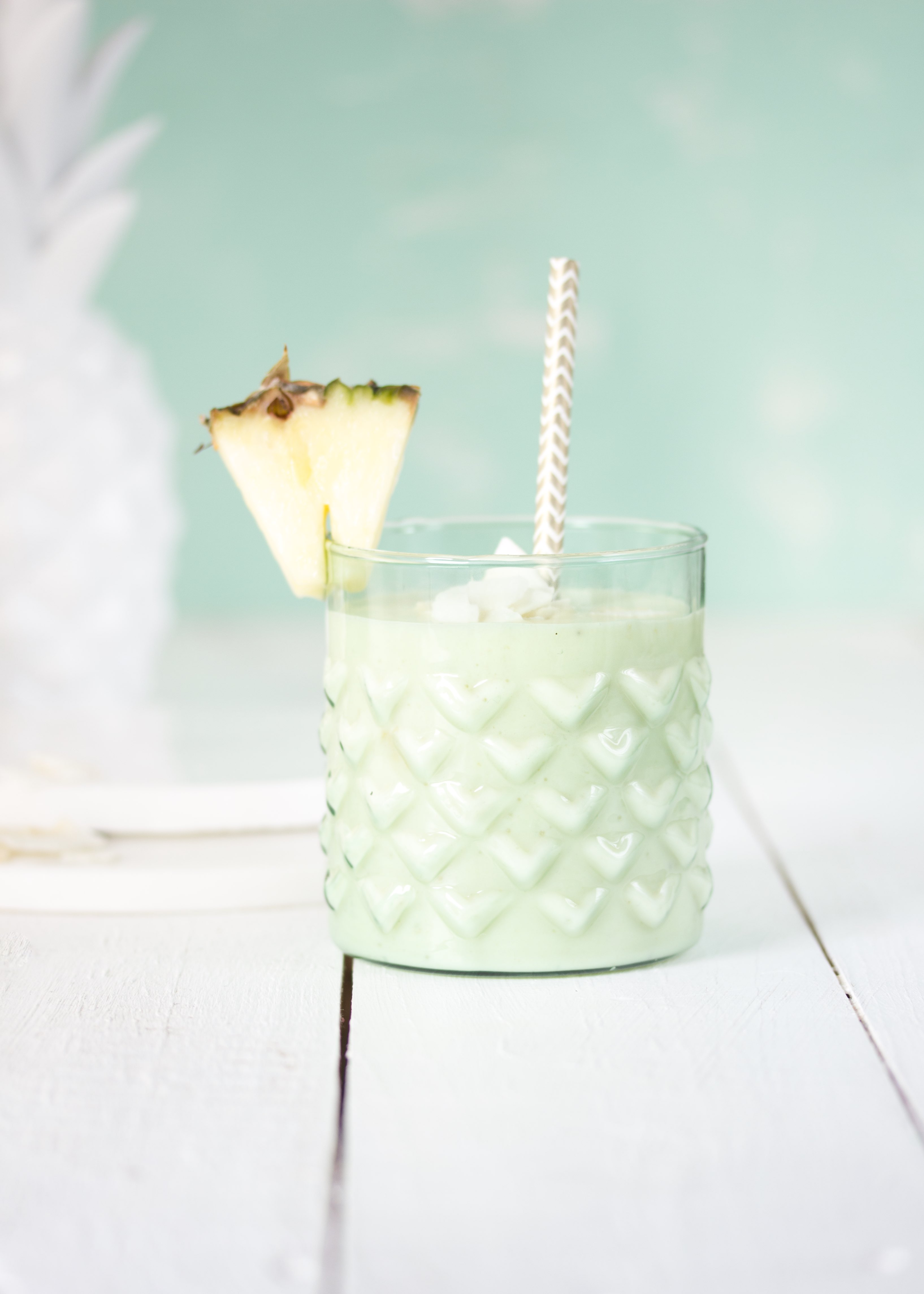 Smoothie Rezept: Ananas Kokos gesund lecker einfach healthy vegan #smoothie #ananas #pineapple #drink #breakfast #vegan | Emma´s Lieblingsstücke