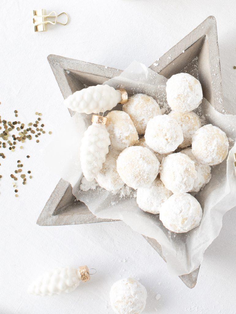 Rezept Traumstückchen Schneeflöckchen einfach Vanille Puderzucker Weihnachten Plätzchen