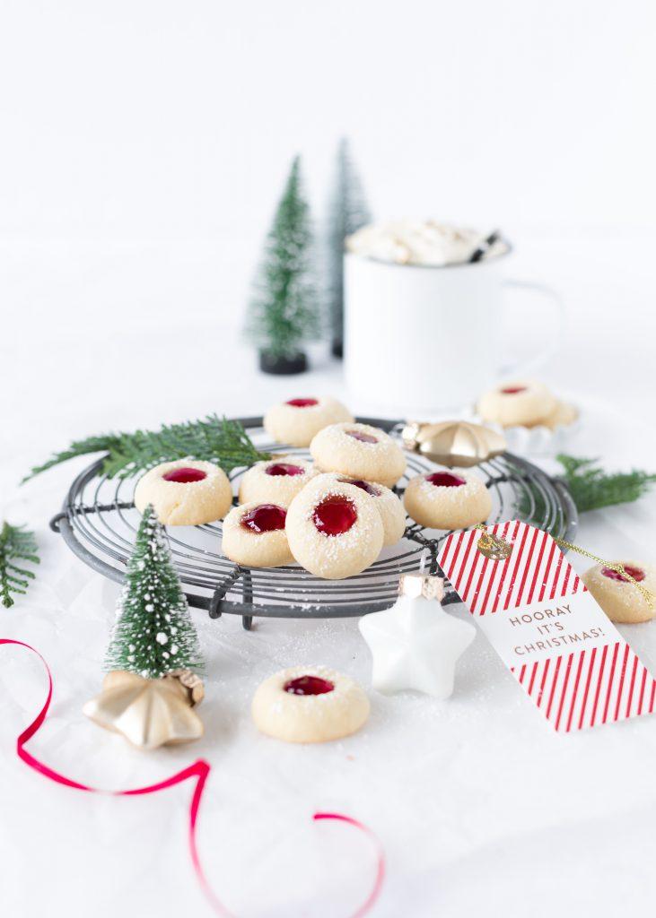 Rezept Lieblingsplätzchen Husarenkrapfen Engelsaugen Rezept mit Marmelade backen Weihnachten Advent Kekse Cookies Christmas #christmas #weihnachten #plätzchen #christmas #cookies Emma´s Lieblingsstücke