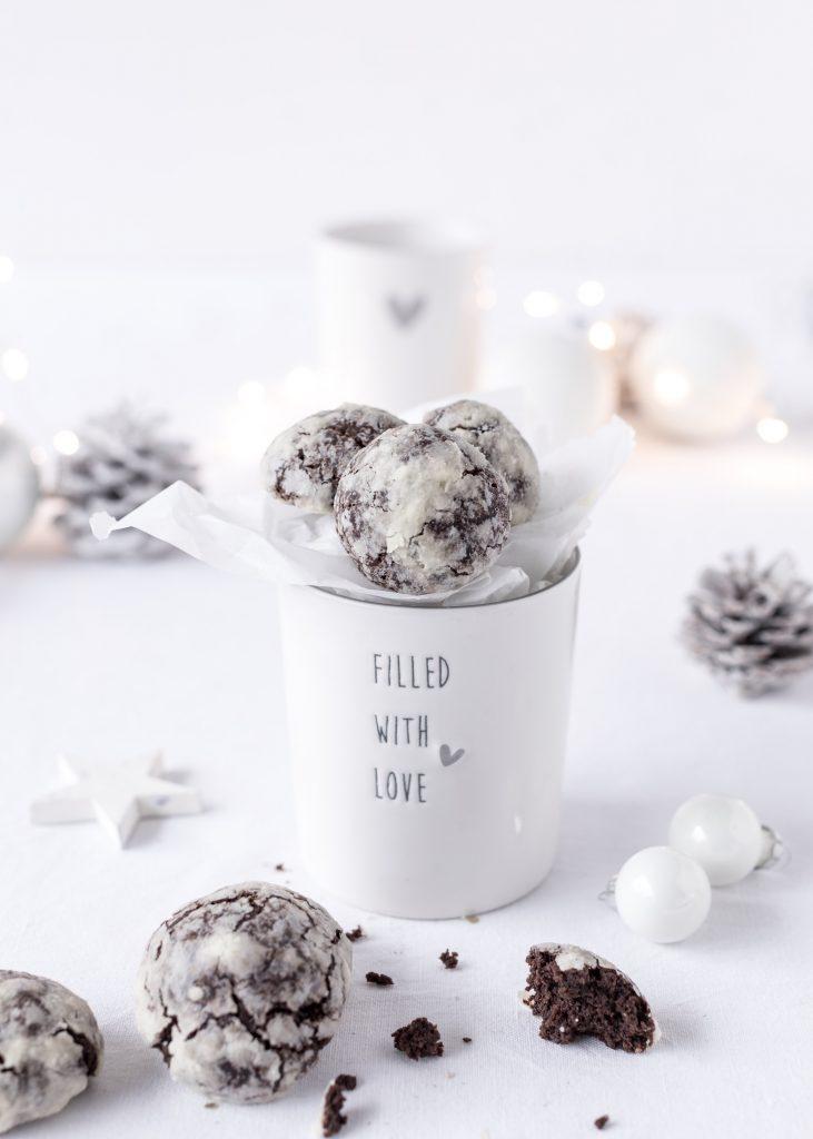 Schoko Schneebälle oder Chocolate Crackle Cookies zu Weihnachten backen Plätzchen Kekse Christmas #plätzchen #cookies #xmas #weihnachten Emma´s Lieblingsstücke