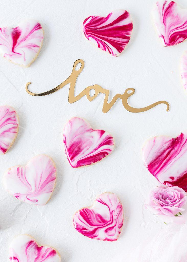 Marmor Herz Kekse Rezept zum Valentinstag Valentine´s Day backen Marble Heart Cookies #herzkekse #heart #cookies #marble #valentinstag #herz | Emma´s Lieblingsstücke