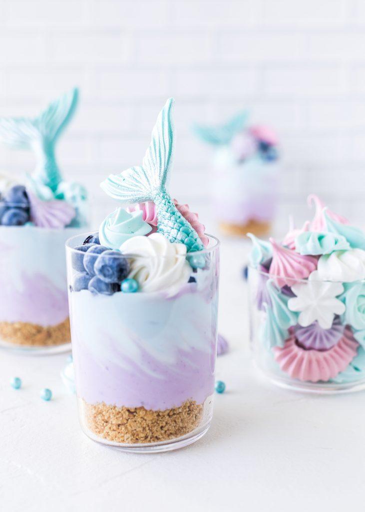 Mermaid Meerjungfrauen Cheesecakes im Glas Rezept ohne backen Dessert im Glas Meringue #mermaid #meerjungfrau #dessert #nobake #meringue #baiser | Emma´s Lieblingsstücke