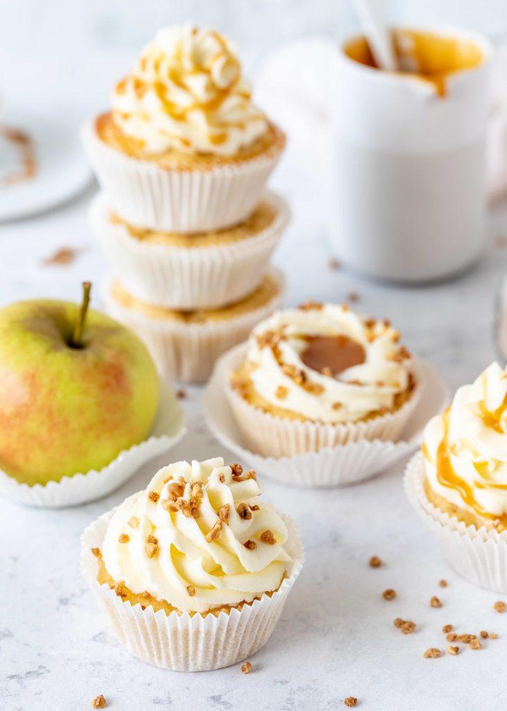 Einfaches Rezept für Apfel-Karamell-Cupcakes backen lecker schnell für jeden Anlass #cupcakes #caramel #backen #karamel #apfel #apple foodblog backblog foodphotography | Emma´s Lieblingsstücke