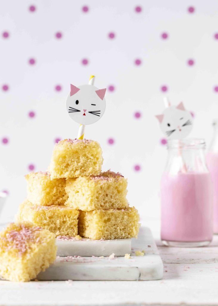 (Werbung) Glutenfreier Kokos Buttermilch Kuchen Rezept Backen Backbuch Kinderbackbuch #kinderrezepte #kinder #backen