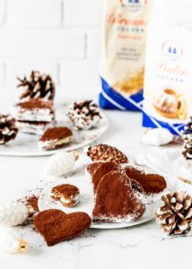 Rezept für Tiramisu Plätzchen Herzen mit Kakao Mascarpone und weißer Schokolade #diamantzucker #Lieblingsplätzchen #Weihnachtsbäckerei #Diamanttradition #diamantzucker #christmas #plätzchen backen Weihnachten