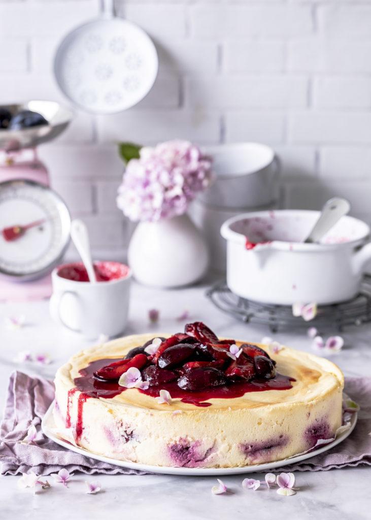 Einfaches Käsekuchen Rezept mit Zwetschgen und ohne Boden Soulfood pur Cheesecake Pflaumen backen lecker einfach #cheesecake #käsekuchen #zwetschgen #kuchen | Emma´s Lieblingsstücke