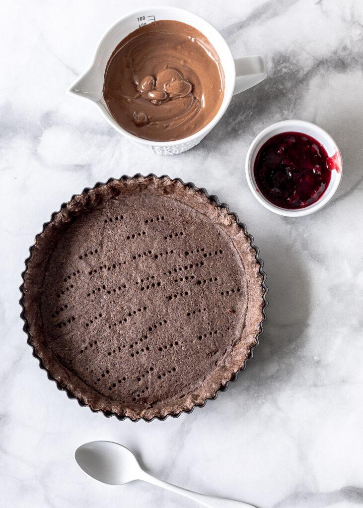 Lebkuchen Schokoladen Tarte Rezept mit Elchen und Preiselbeeren Gingerbread Schokomousse  #tarte # Schokoladen #elche #mousse Emma´s Lieblingsstücke