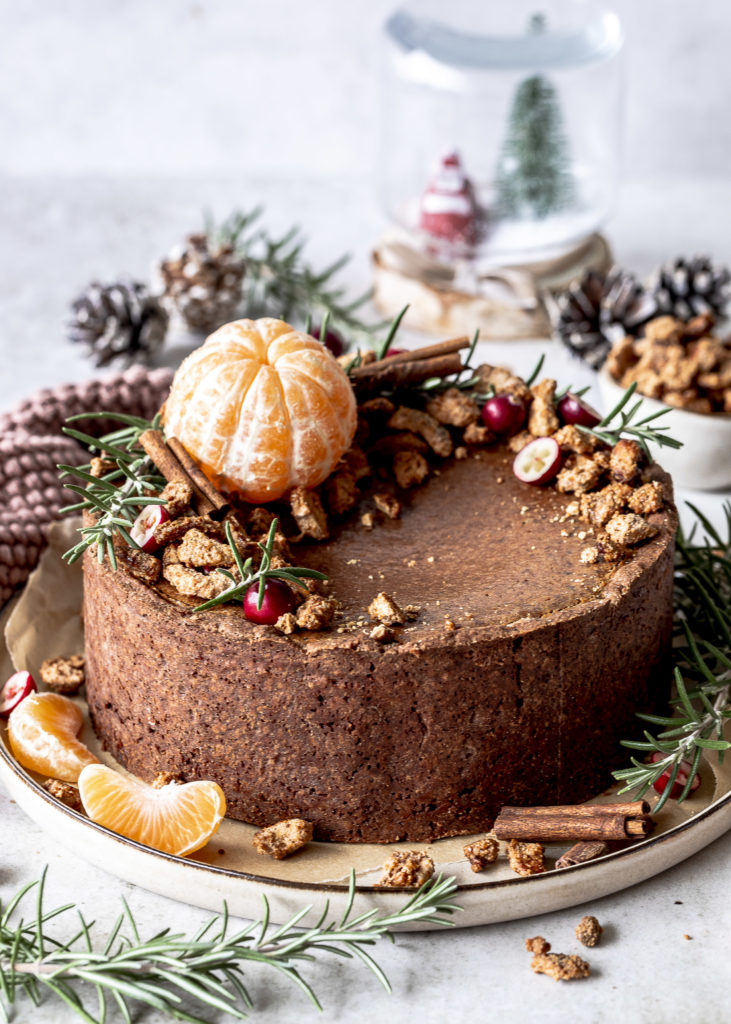 Weihnachtlicher Schokoladen Käsekuchen mit kandierten Nüssen Cashewkernen backen Rezept Cheesecake Weihnachten Advent #käsekuchen #cheesecake #schokolade #schoko #weihnachten #christmas #backen #baking Emma´s Lieblingsstücke